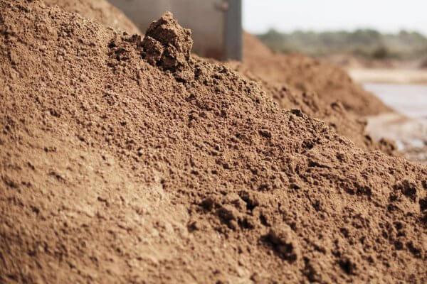 доставка песка отсыпчного